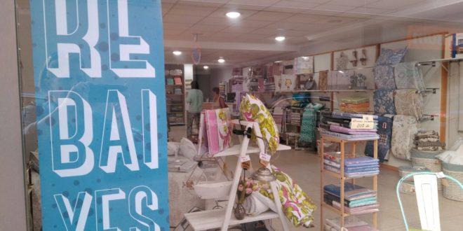 El comercio de Alcoy inicia las rebajas de verano con optimismo
