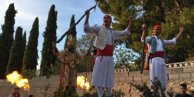 L' Alquería disfrutó de una calurosa Entrada de Moros y Cristianos