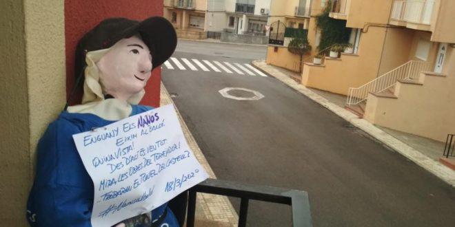 'Els Nanos' se asoman a los balcones de Cocentaina
